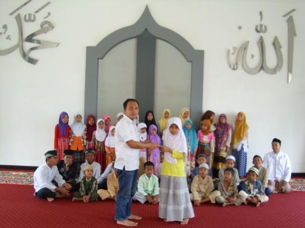 rumah tahfidz akbar penyerahan beasiswa