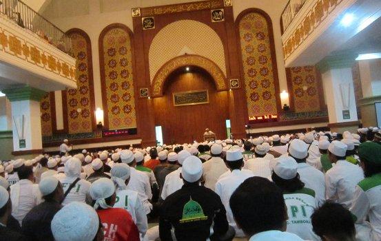 shalat isya dan tarawih di az zikra tahun ini